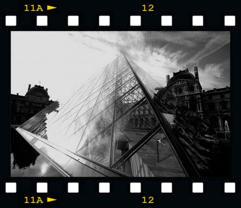 photoblog image The Pyramid - La Pyramide